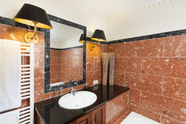 Bathroom , shower and bath, Badezimmer mit Badewanne und Dusche